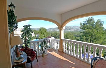 Villa with astounding views over the Orba Valley